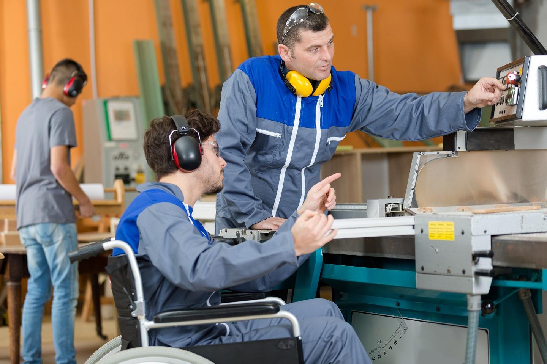 Alternance : aides renforcées pour l'emploi de personnes handicapées